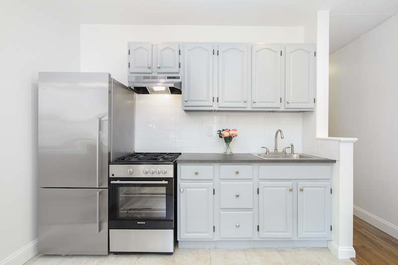$2,050/month 1.0 BD | 1.0 BA | 519 SF  Clinton Hill  344 Lafayette Avenue