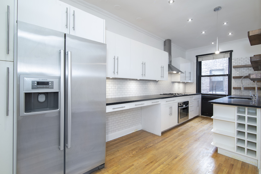 $2,650/month 2.0 BD | 1.0 BA | 1,053 SF  Kensington  811 Cortelyou Road
