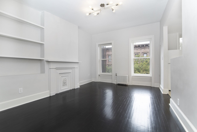 $2,600/month 1.0 BD | 1.0 BA | 650 SF  Fort Greene  367 Carlton Avenue