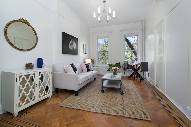 $2,650/month 1.0 BD | 1.0 BA | 700 SF  Crown Heights  881 Park Place