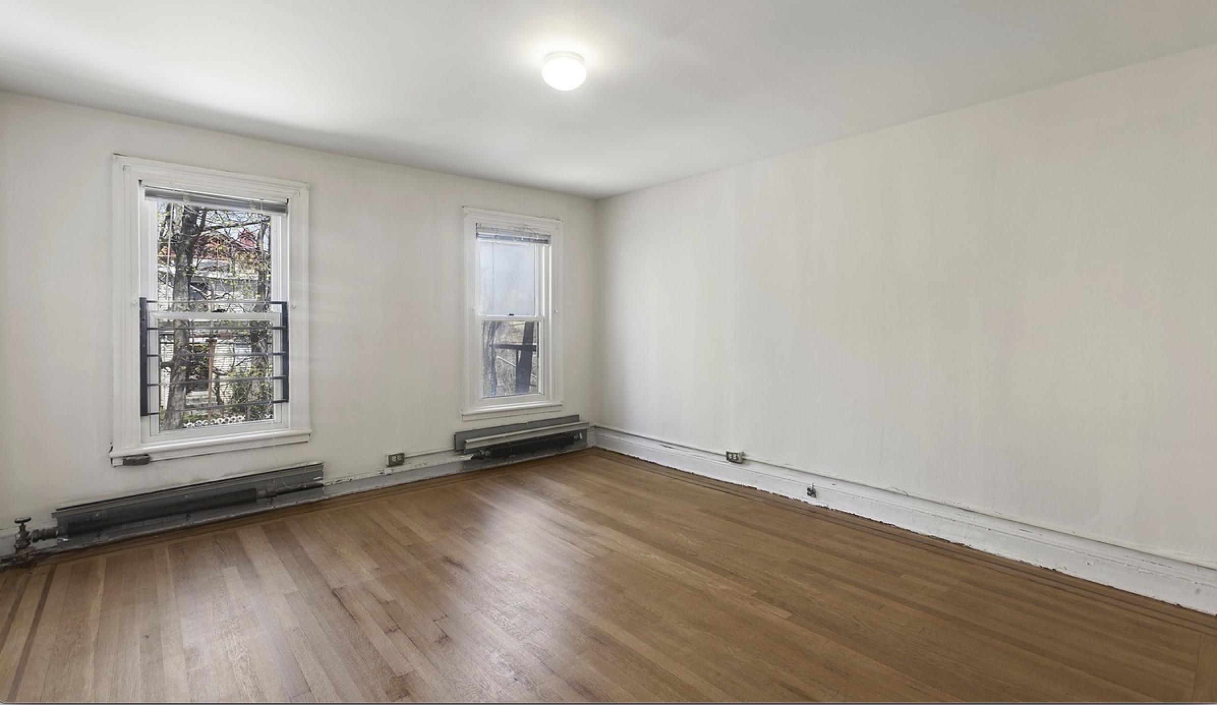 299 Bainbridge Street Living Room .png