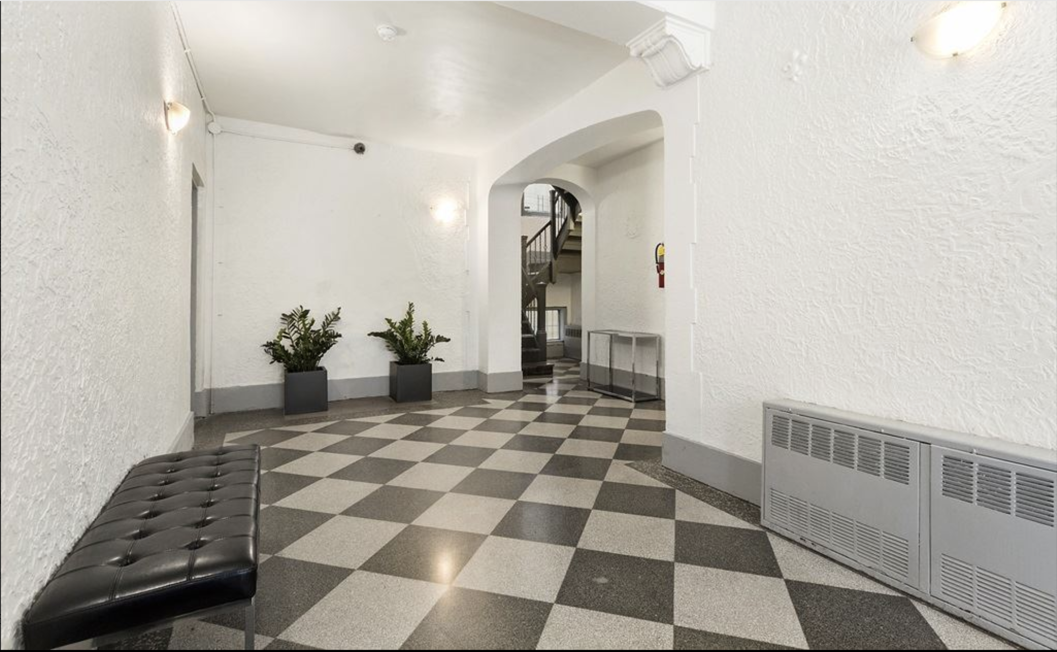 910 Park Place Lobby.png