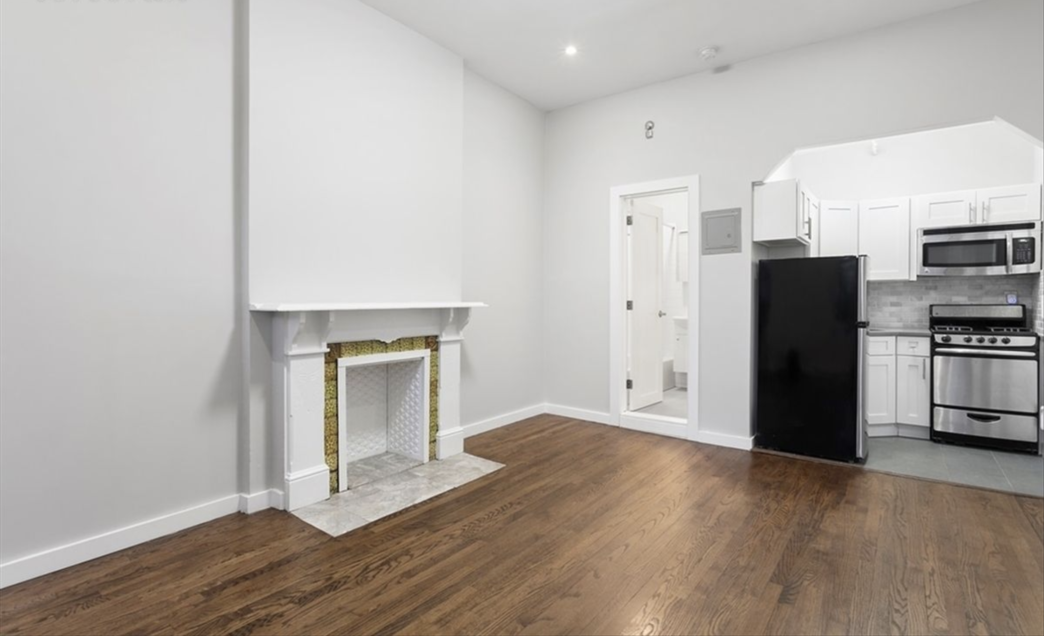 211 Jefferson Avenue Kitchen Living Room.png