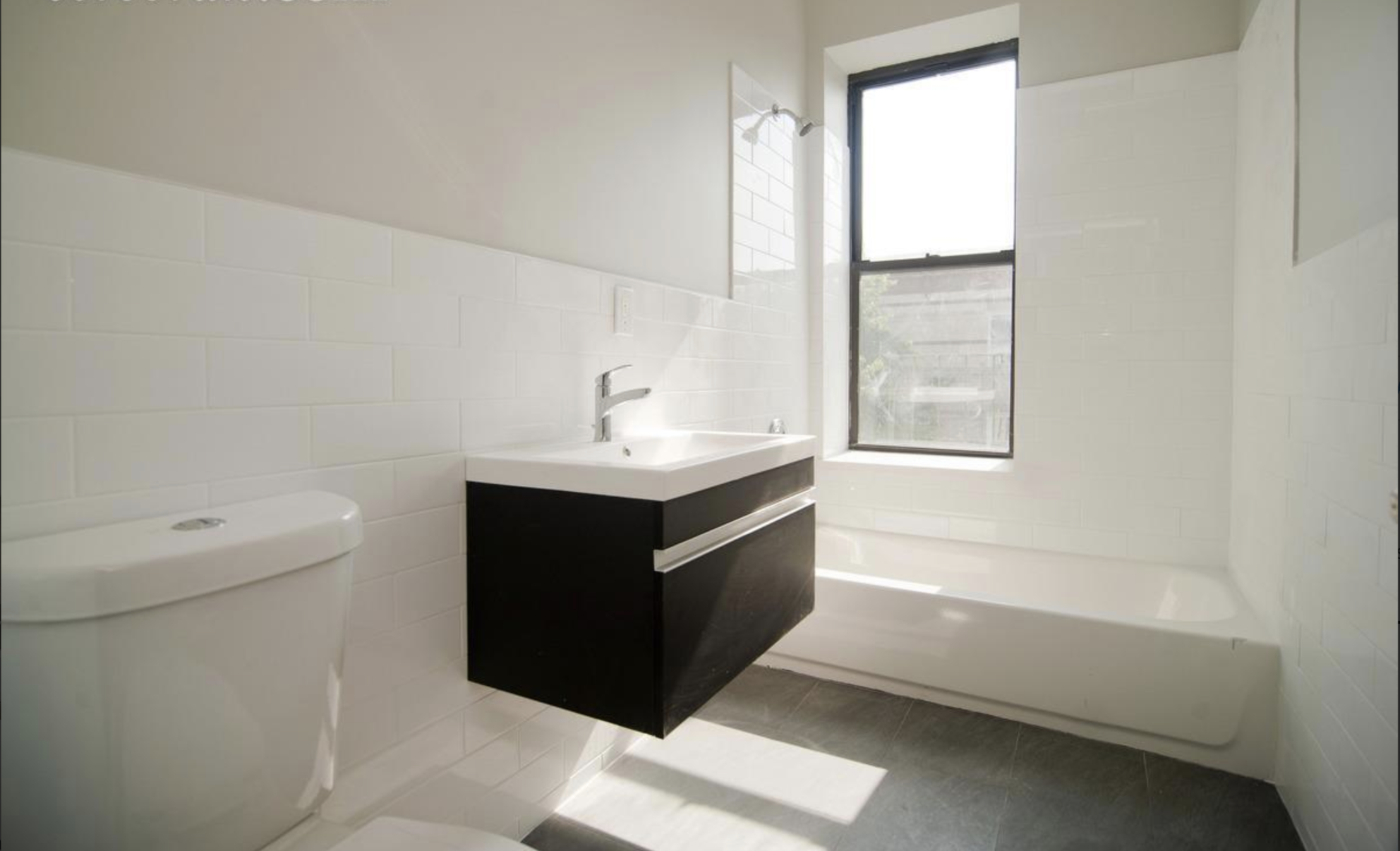 426 Bainbridge Street Bathroom .png