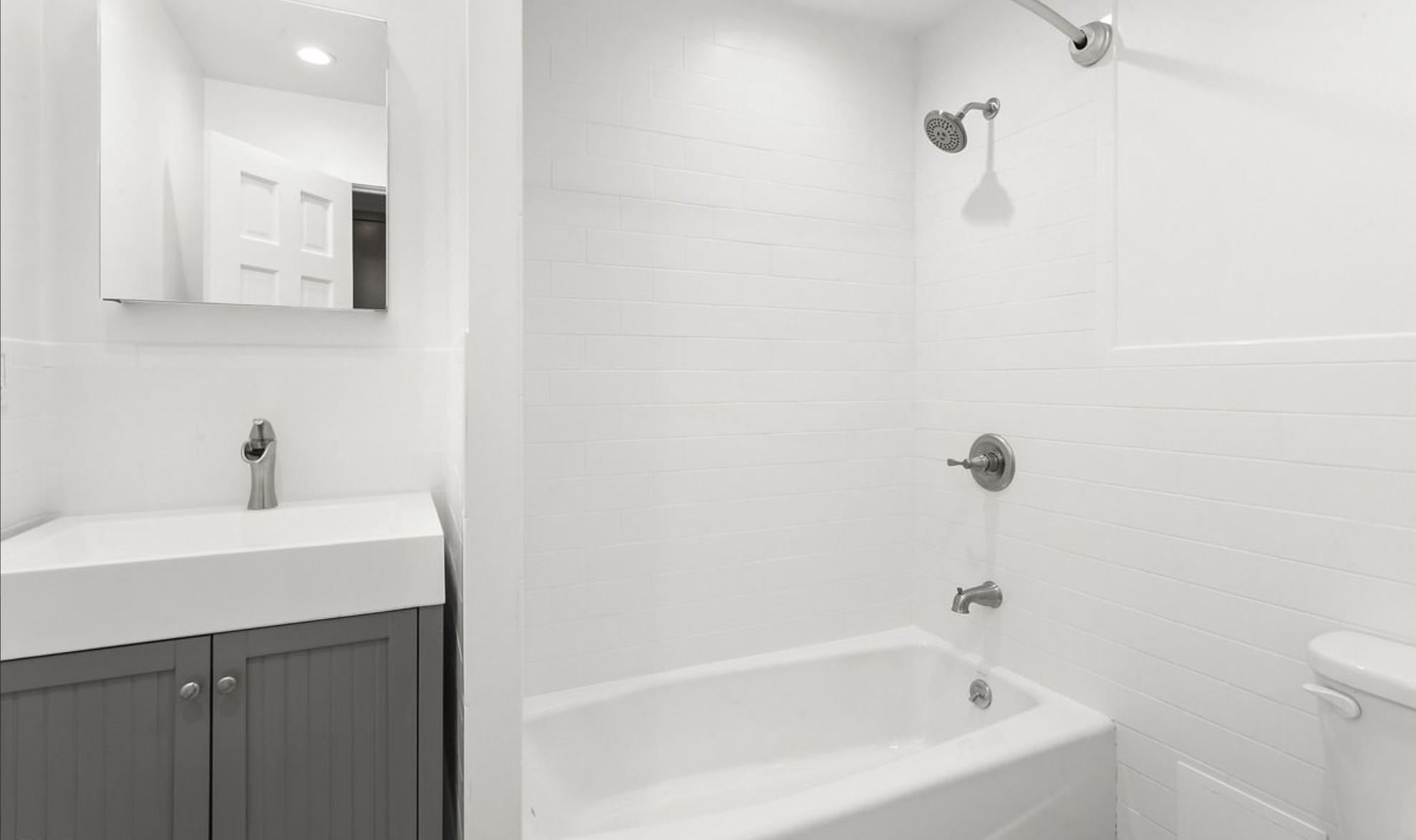 615 Halsey Street Apt. 4 Bathroom.png