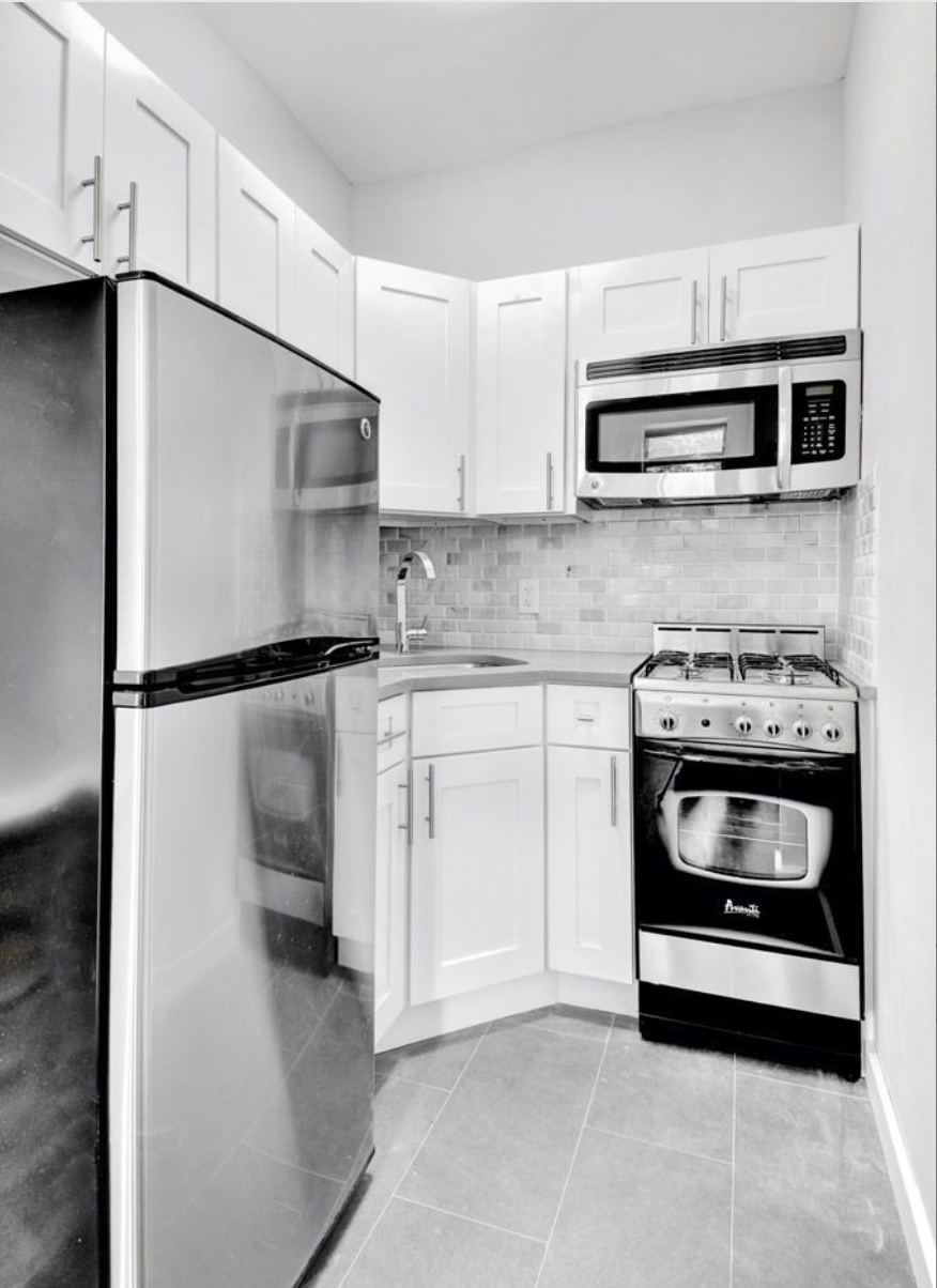 211 Jefferson Avenue Kitchen Apt 2F.png