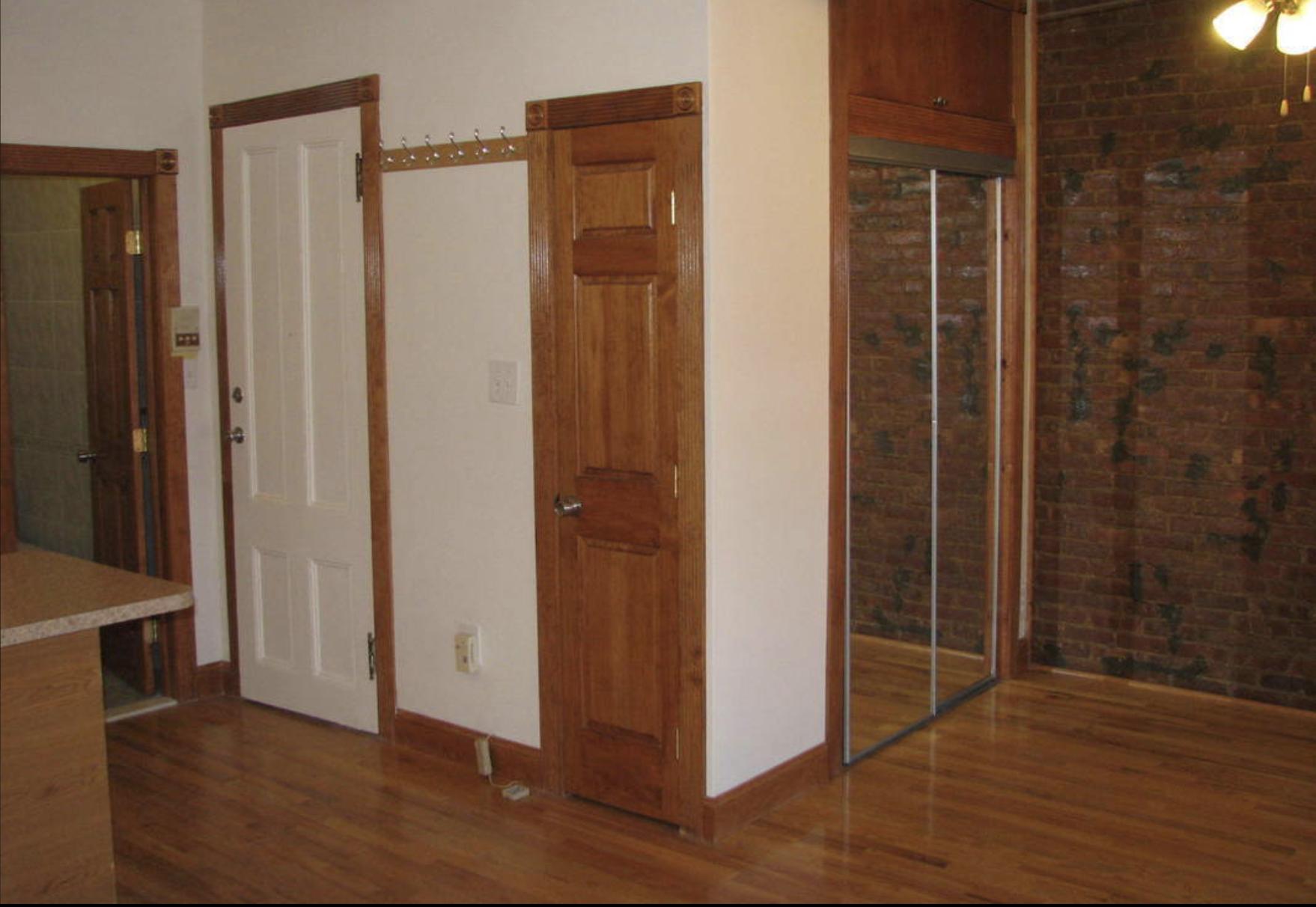 136 Saint James Place Apt 2F Living area.png