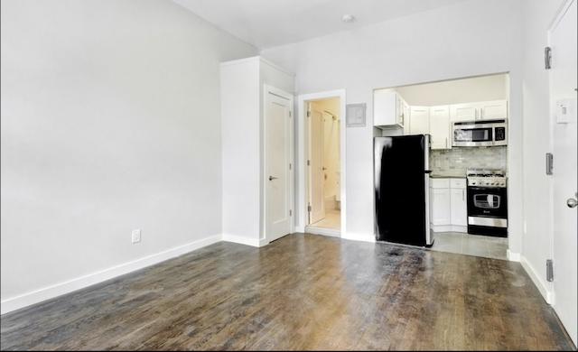 $1,700/month 0.0 BD | 1.0 BA  Bedford-Stuyvesant  211 Jefferson Avenue Apt. 2F