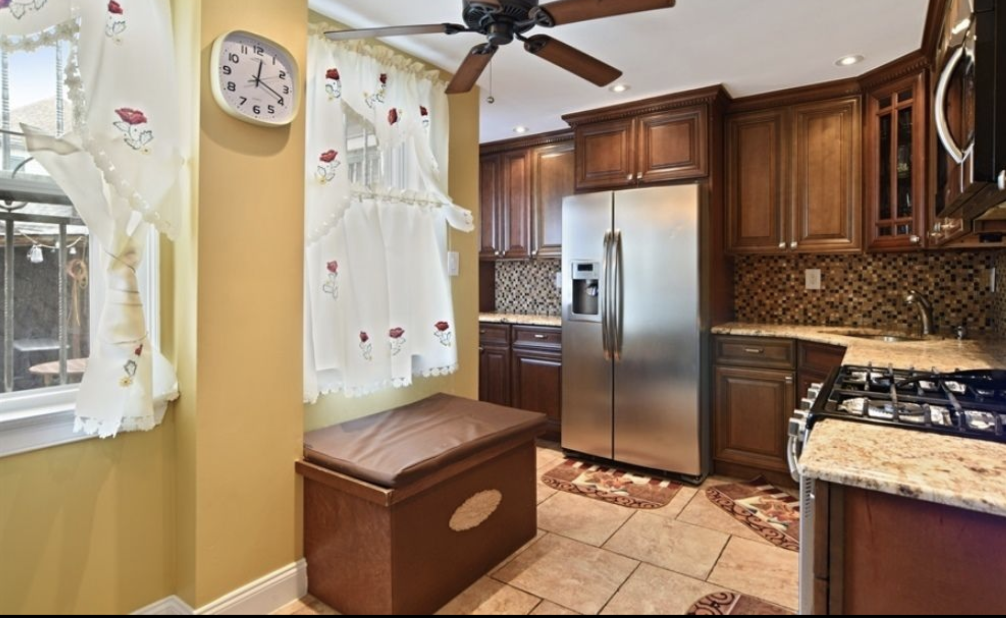 535 35th Street Kitchen Townhouse .png