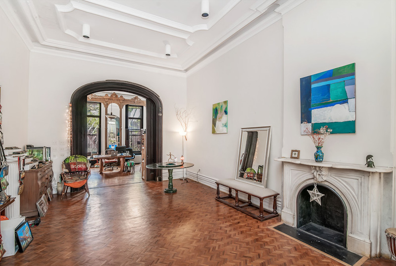 $5,000/month 2.5 BD | 1.5 BA | 1,150 SF  Fort Greene  193 Washington Park