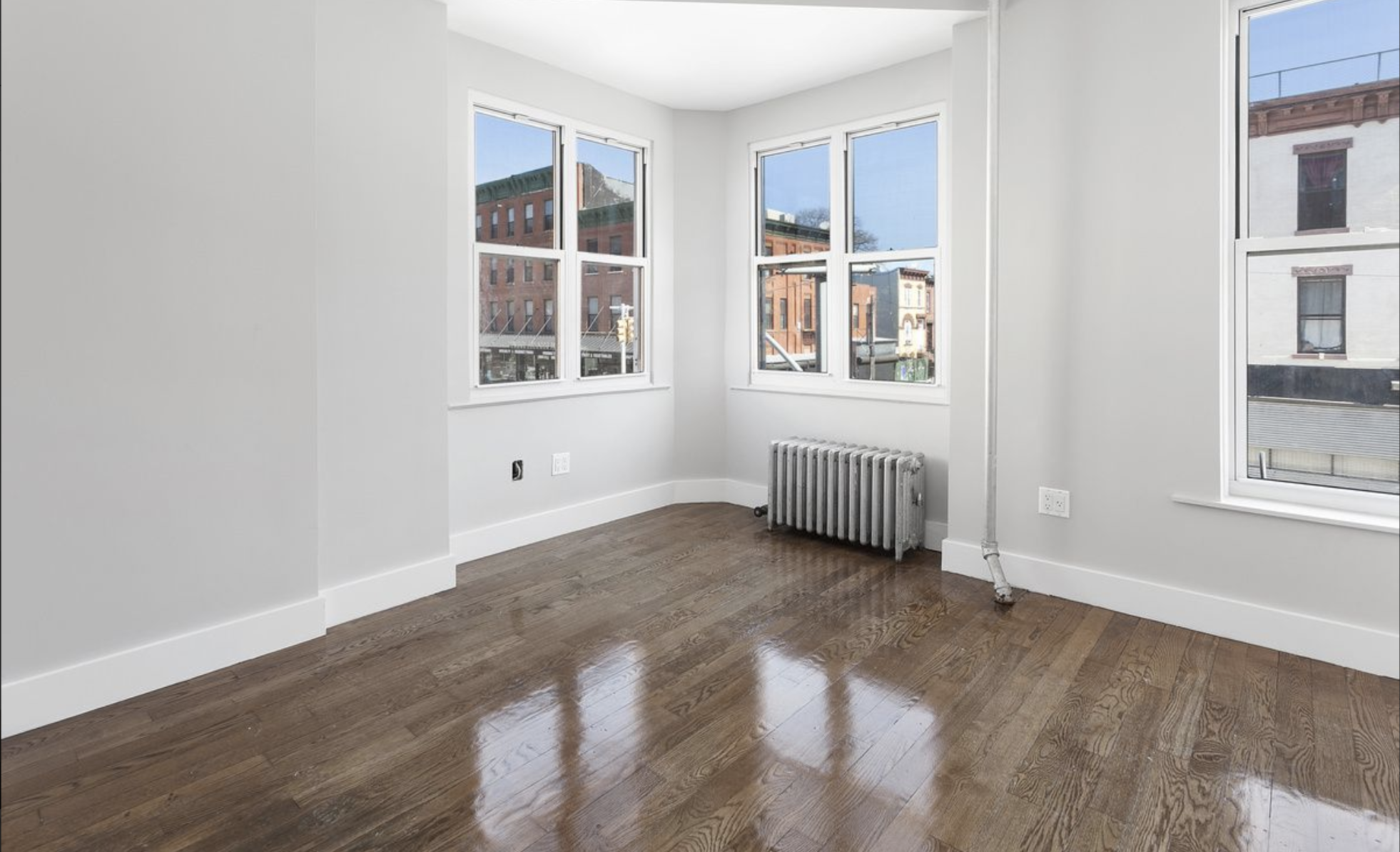 $2,800 | NO FEE 3.0 BD | 1.0 BA | 1,000 SF  Stuyvesant Heights  616 Halsey Street
