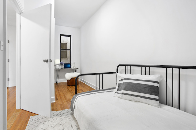 $2,600/month 2.0 BD | 1.0 BA | 650 SF  Stuyvesant Heights  859 Halsey Street