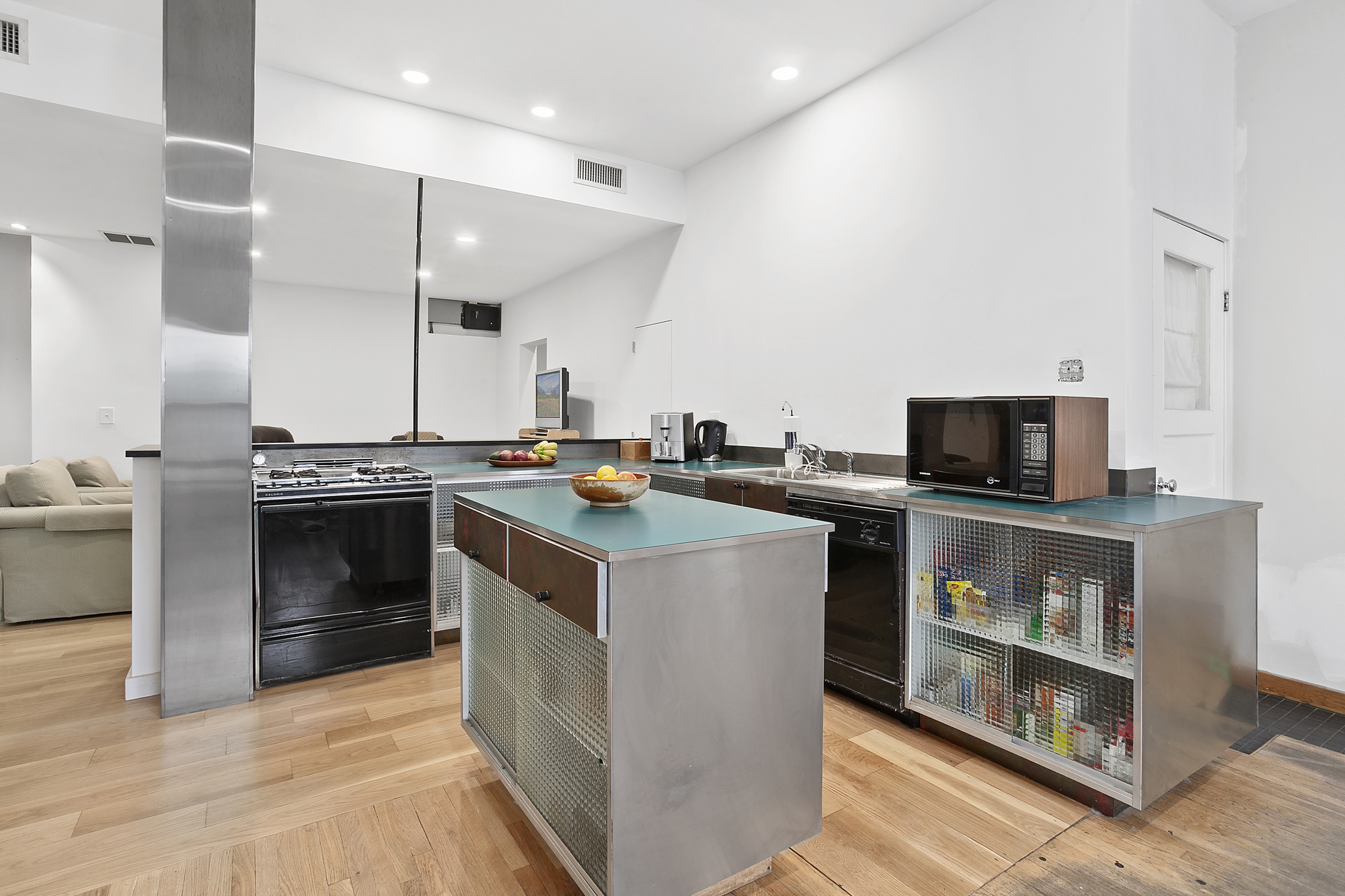 129 11th Street Kitchen .jpg