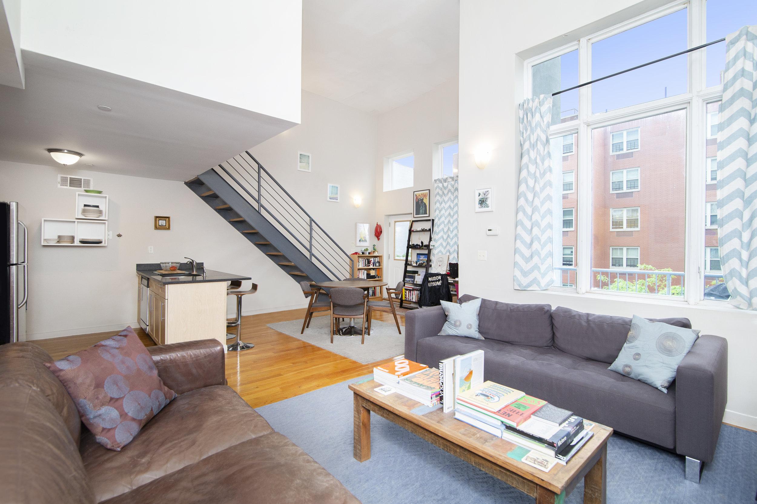 $2,350/month 1.0 BD   2.0 BA   900 SF  Bedford Stuyvesant  800 Dekalb Avenue