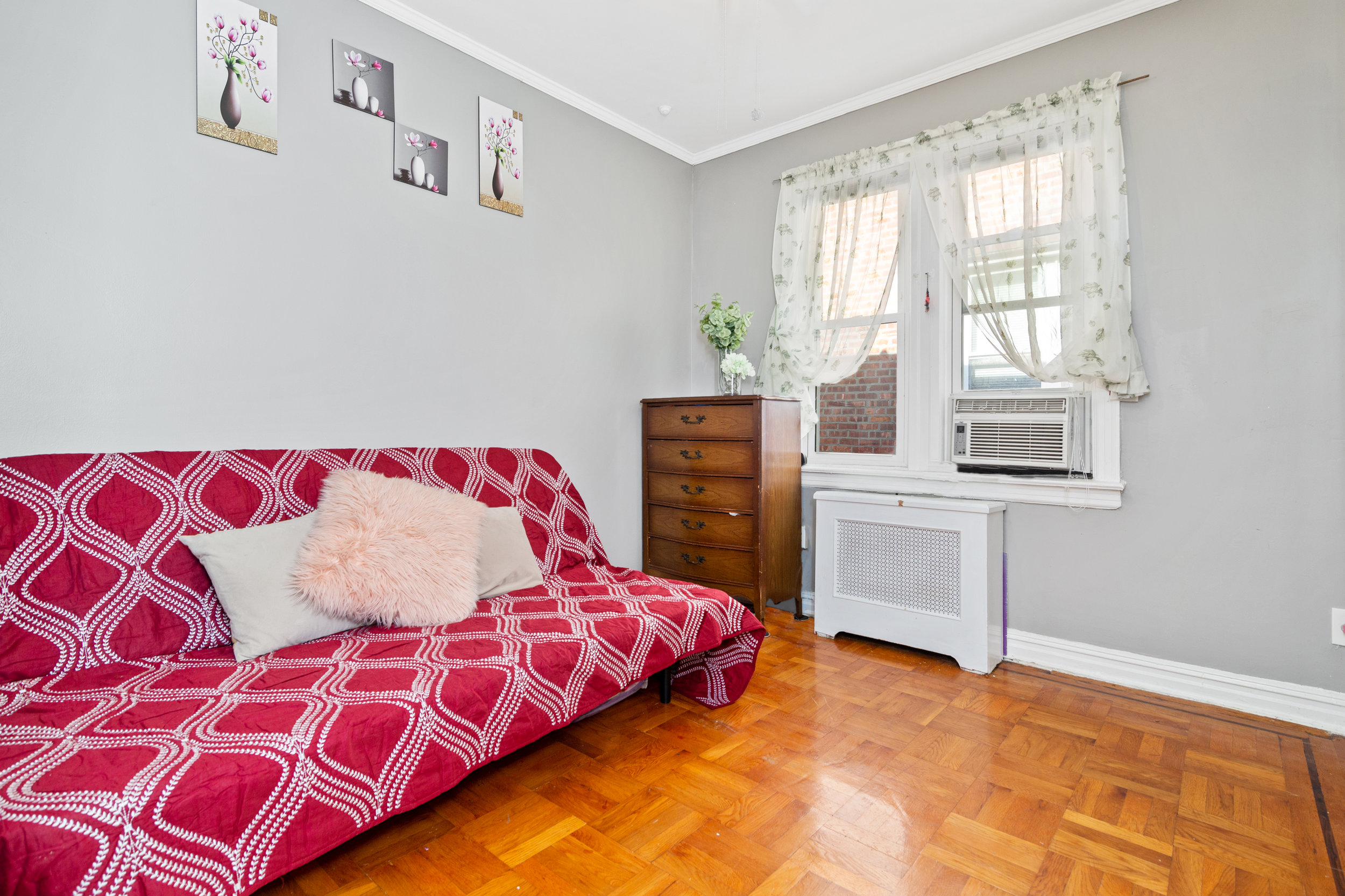 8904AvenueA_House_ThirdBedroom.jpg