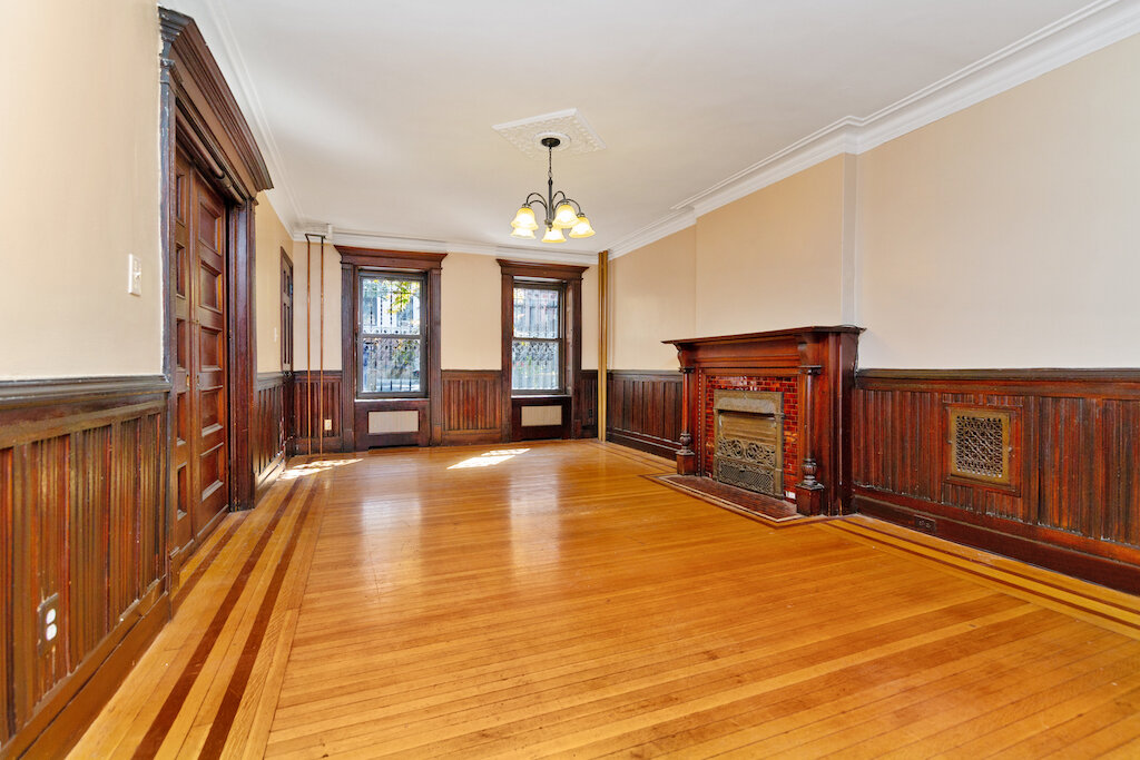 $2,975/month 1.0 BD | 1.0 BA | 1,160 SF  Prospect Heights  291 Sterling Place