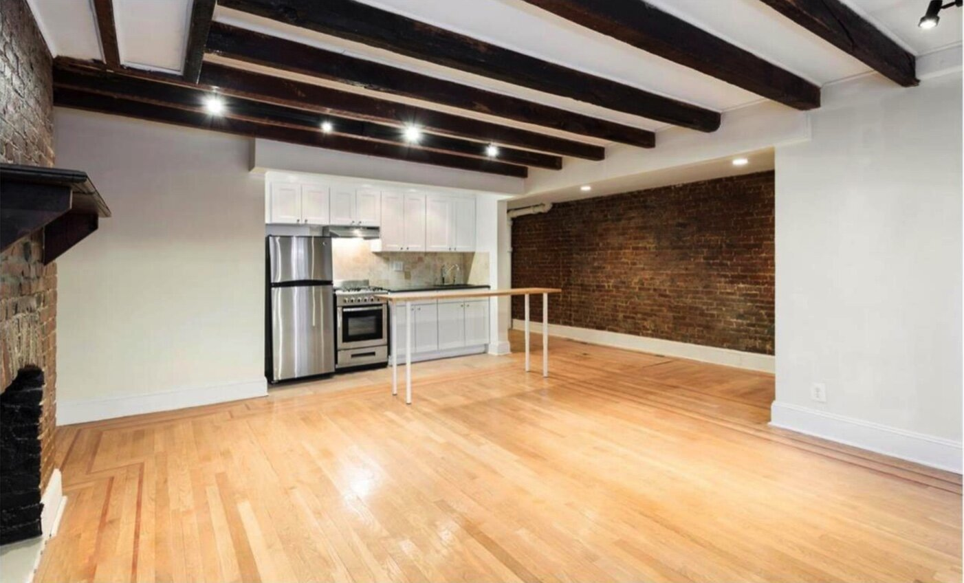 $2,650/month 1.0 BD | 1.0 BA | 650 SF  Fort Greene  133 Saint Felix Street