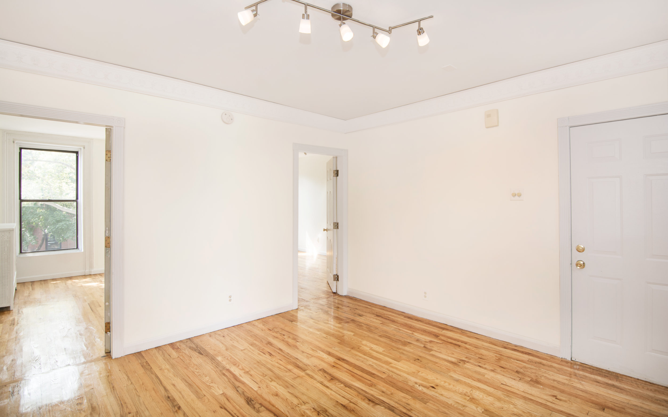 $3,000/month 2.0 BD | 1.0 BA | 650 SF  Fort Greene  217 Carlton Avenue
