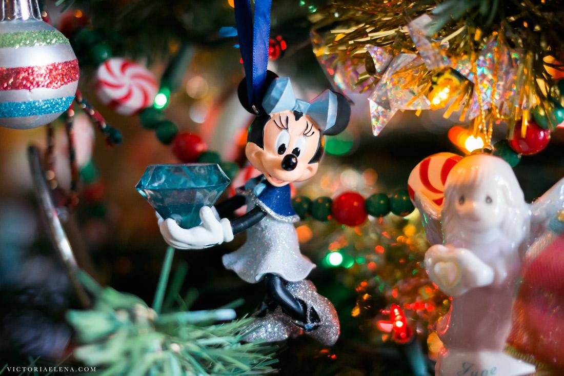 w-moms-christmas-ornaments-by-victoria-elena-1.jpg
