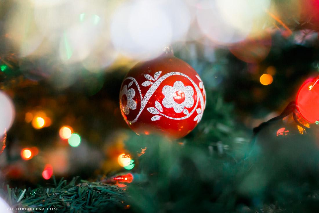w-moms-christmas-ornaments-by-victoria-elena-7.jpg