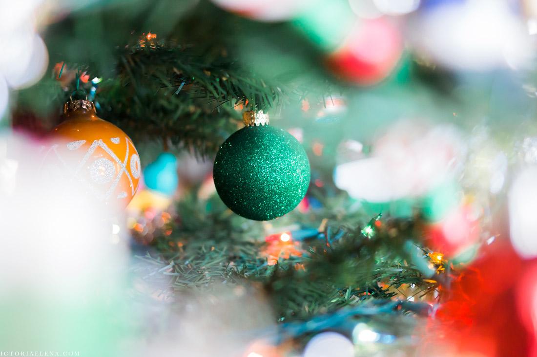 w-moms-christmas-ornaments-by-victoria-elena-10.jpg