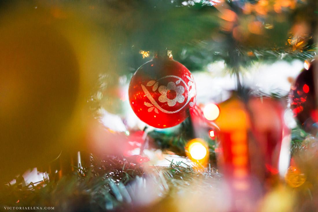w-moms-christmas-ornaments-by-victoria-elena-14.jpg