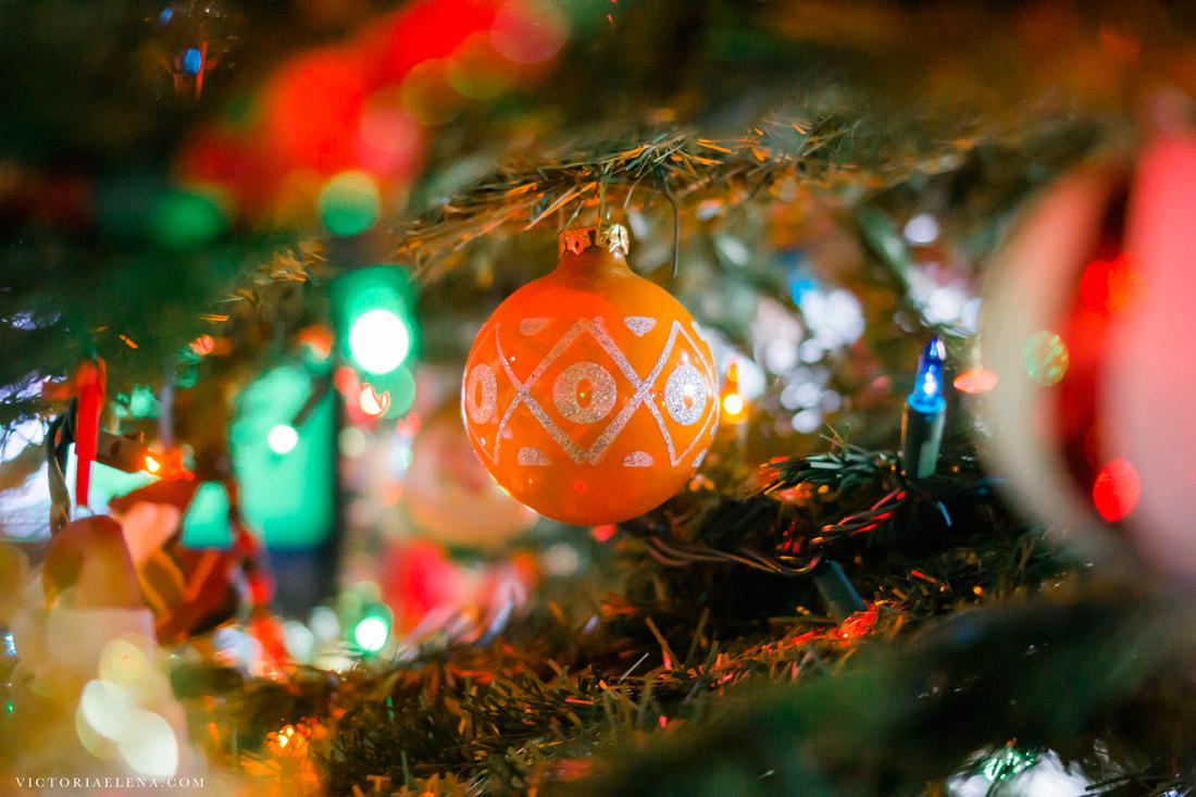 w-moms-christmas-ornaments-by-victoria-elena-15.jpg