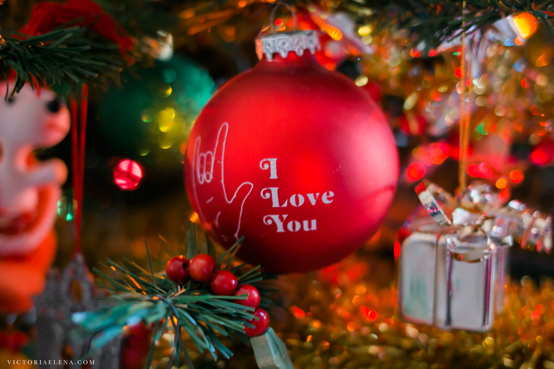 w-moms-christmas-ornaments-by-victoria-elena-22.jpg