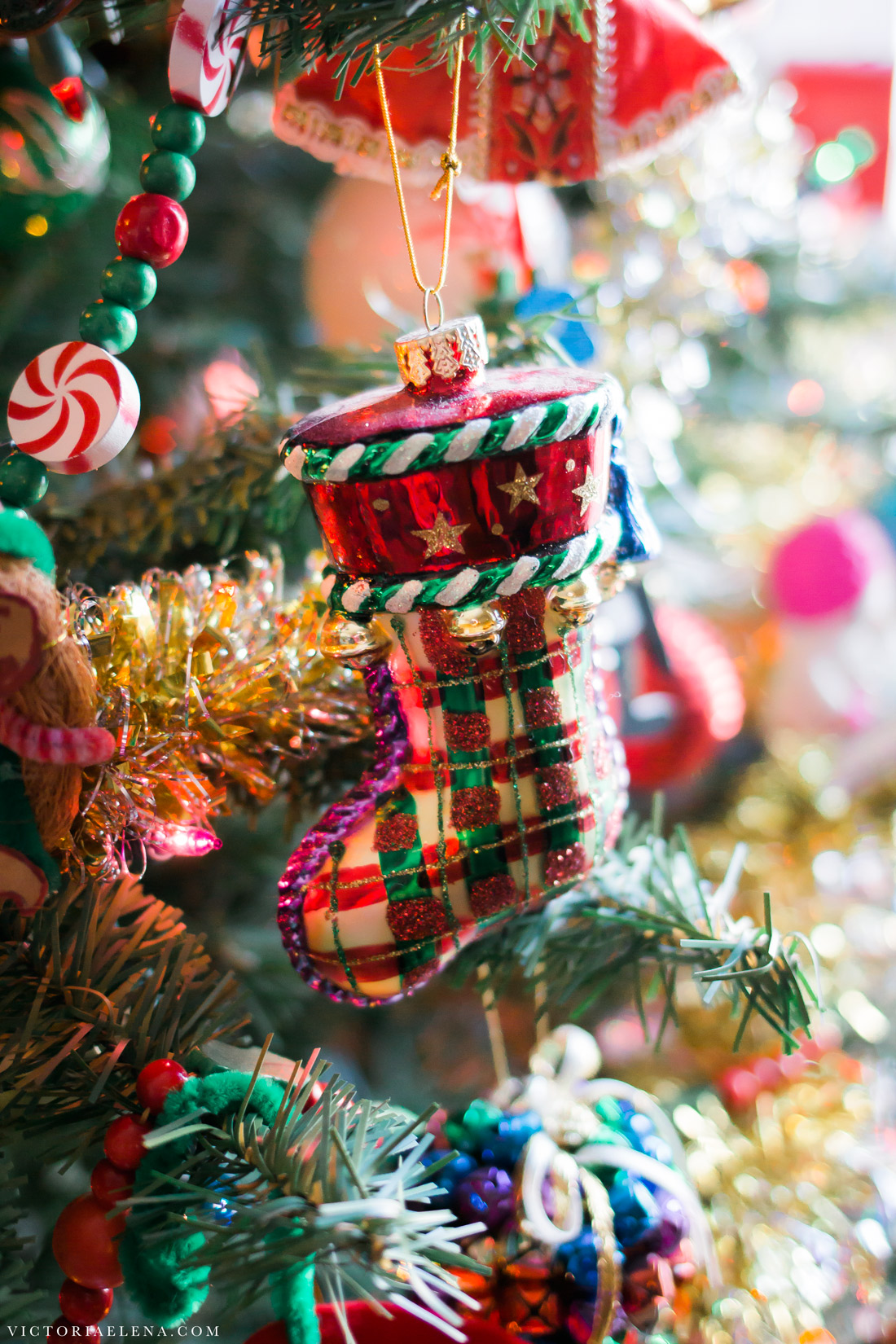 w-moms-christmas-ornaments-by-victoria-elena-25.jpg