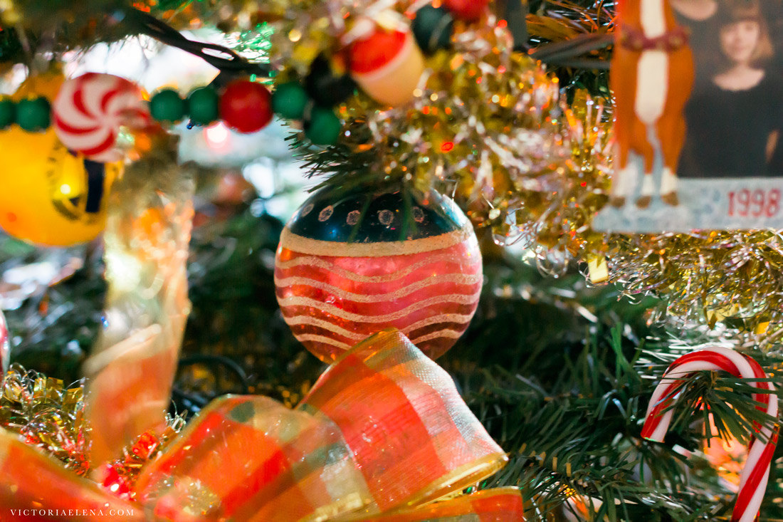 w-moms-christmas-ornaments-by-victoria-elena-27.jpg