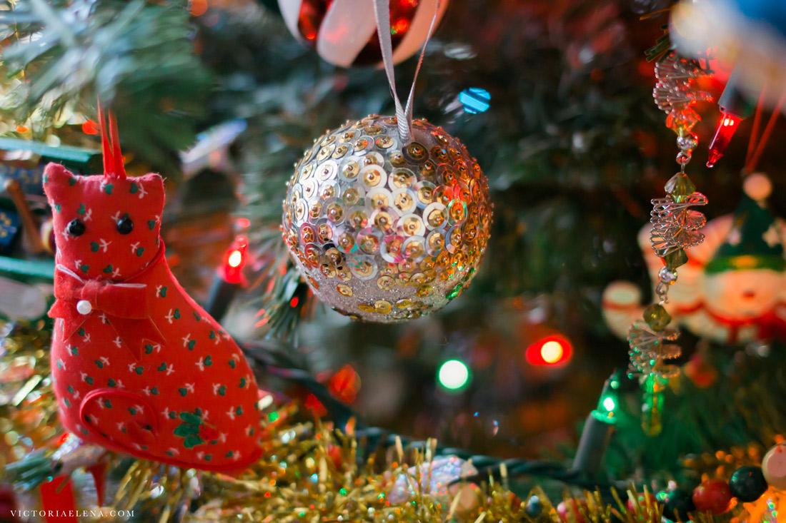 w-moms-christmas-ornaments-by-victoria-elena-29.jpg