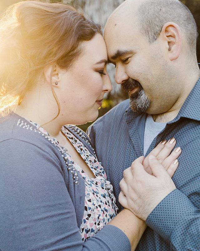 This is a favorite of mine from my engagement session with Richard and Ani. Shooting during golden hour creates the most beautiful golden halo. Learn more about lighting on the blog! #PersephoneStudios