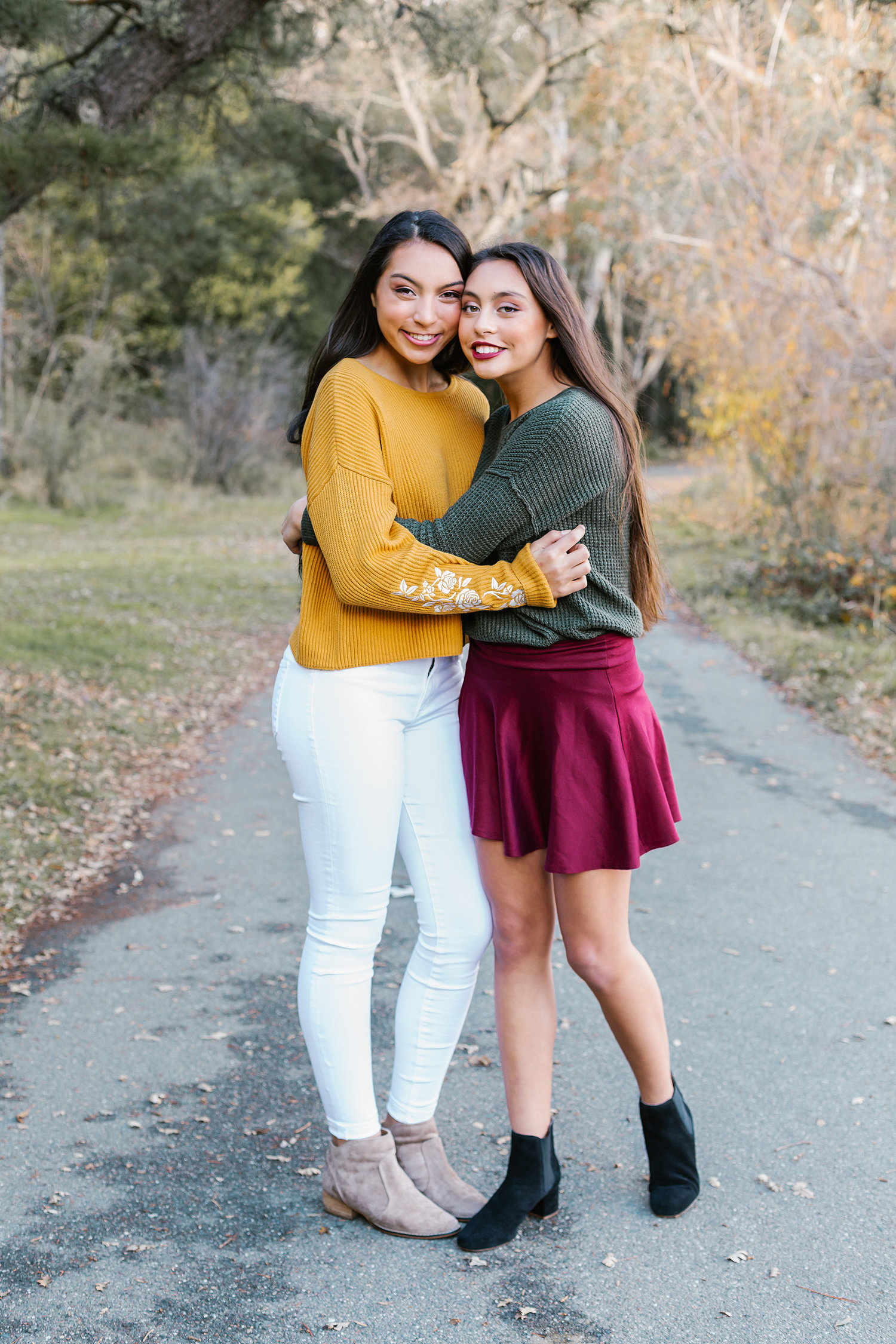 RETOUCHED-SELECT-Hailey-and-Kate-44.jpg