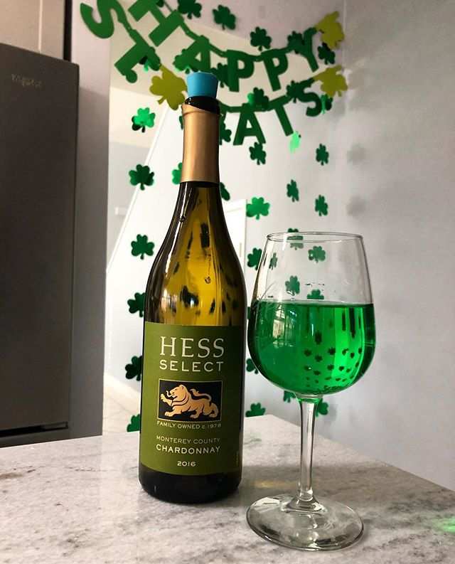 Sometimes you turn your @hesscollection Chardonnay green so you can get into the #stpatricksday spirit! 🍀 Turns out it tastes just as good! #siptothat