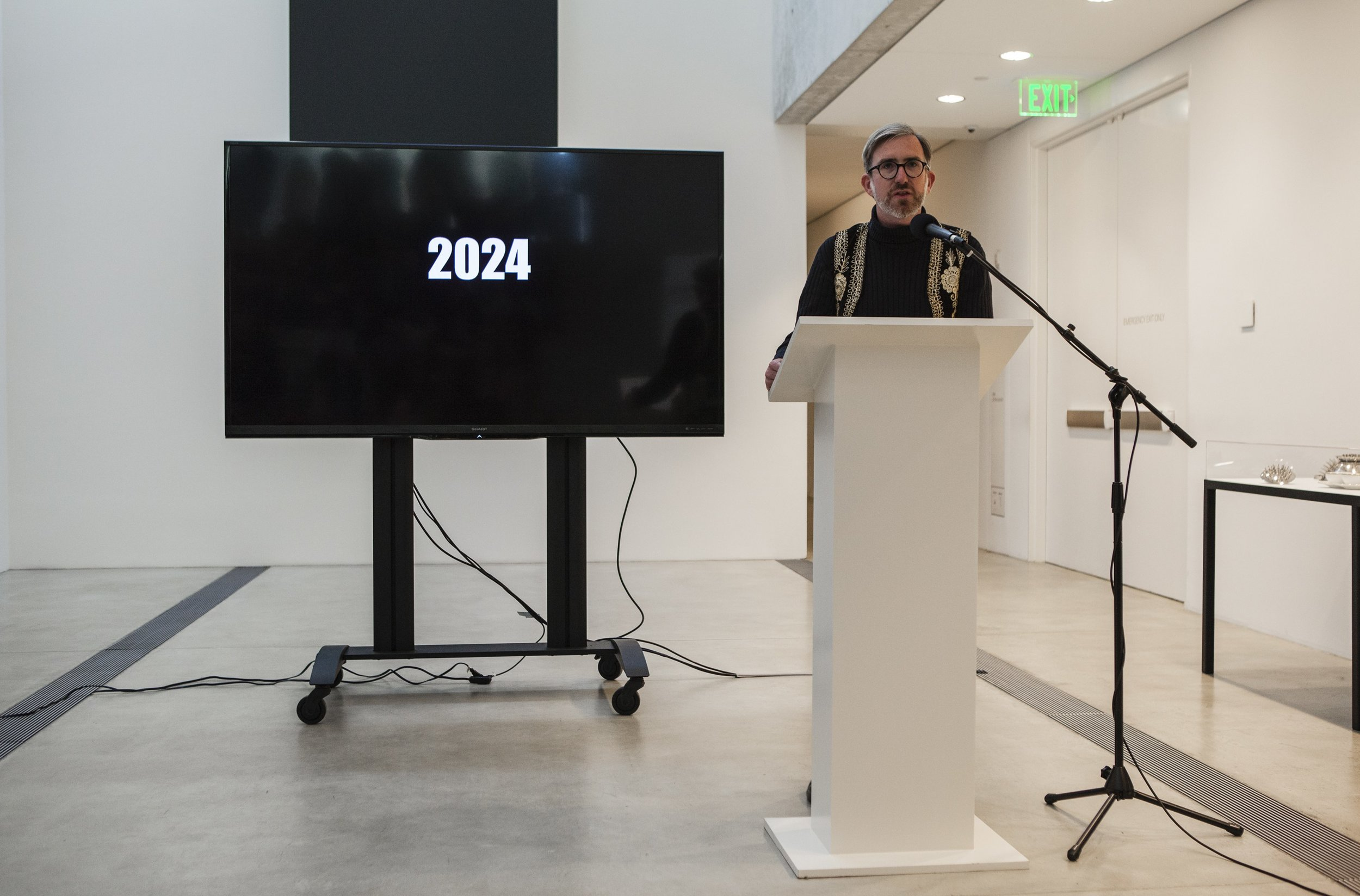 "Michael Allen presenting during ""Manifestos for a Future St. Louis"" session, as a part of Dwell In Other Futures: Art / Urbanism / Midwest. Pulitzer Arts Foundation, St. Louis. April 28, 2018. Photo by David Johnson."