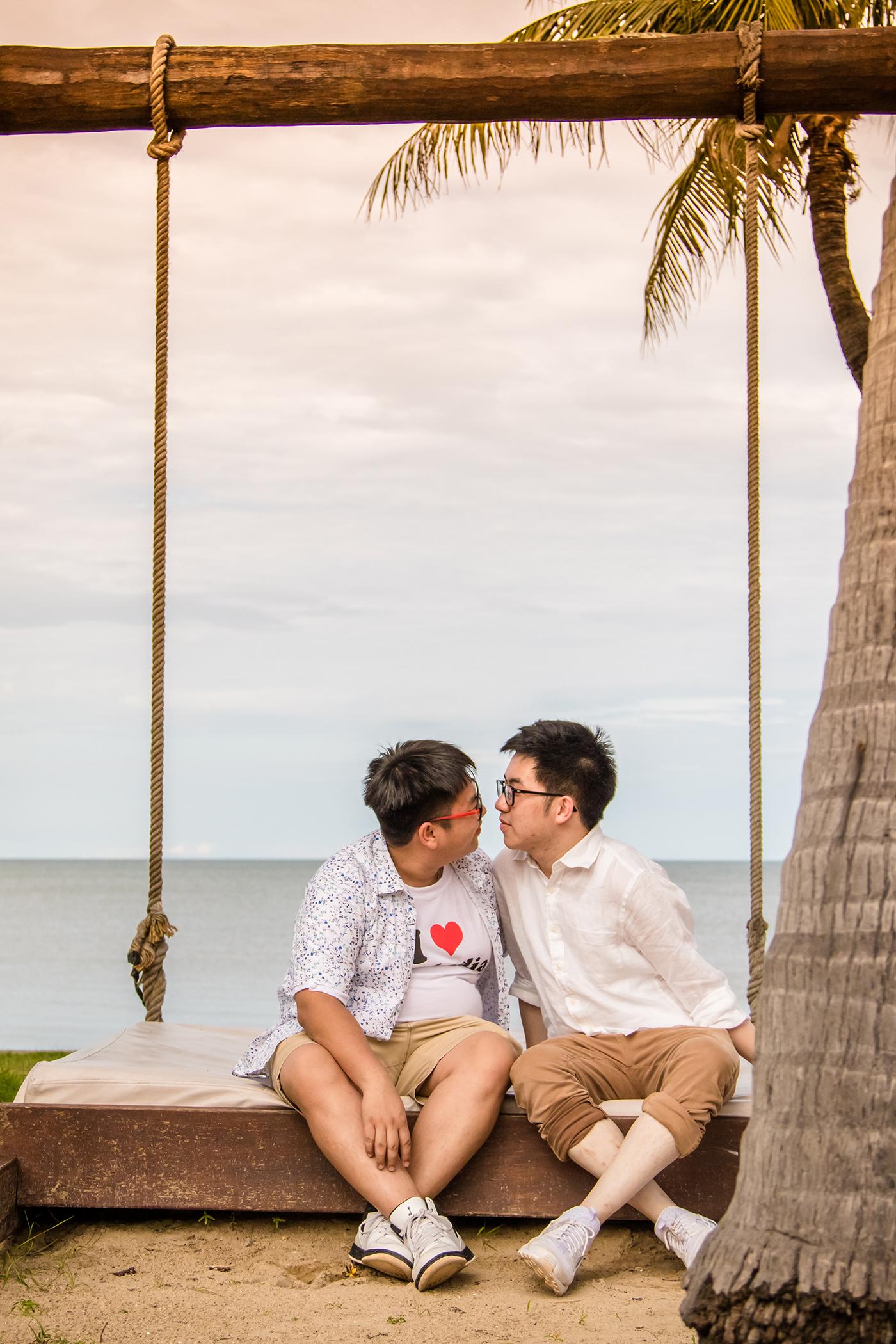 Matthew-David-Seaside-couple-4.jpg