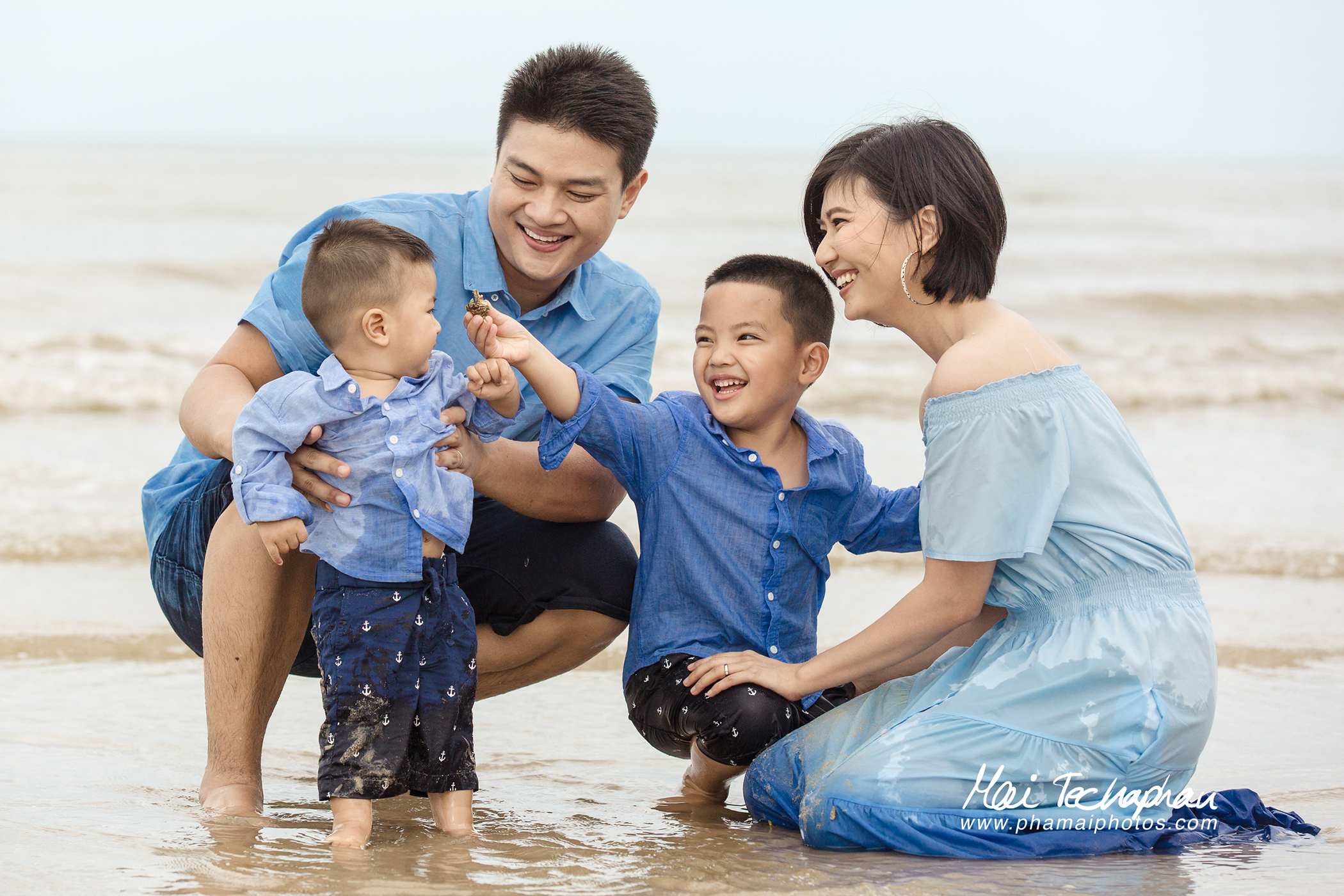 Cha-Am-Seaside-Family-6.jpg