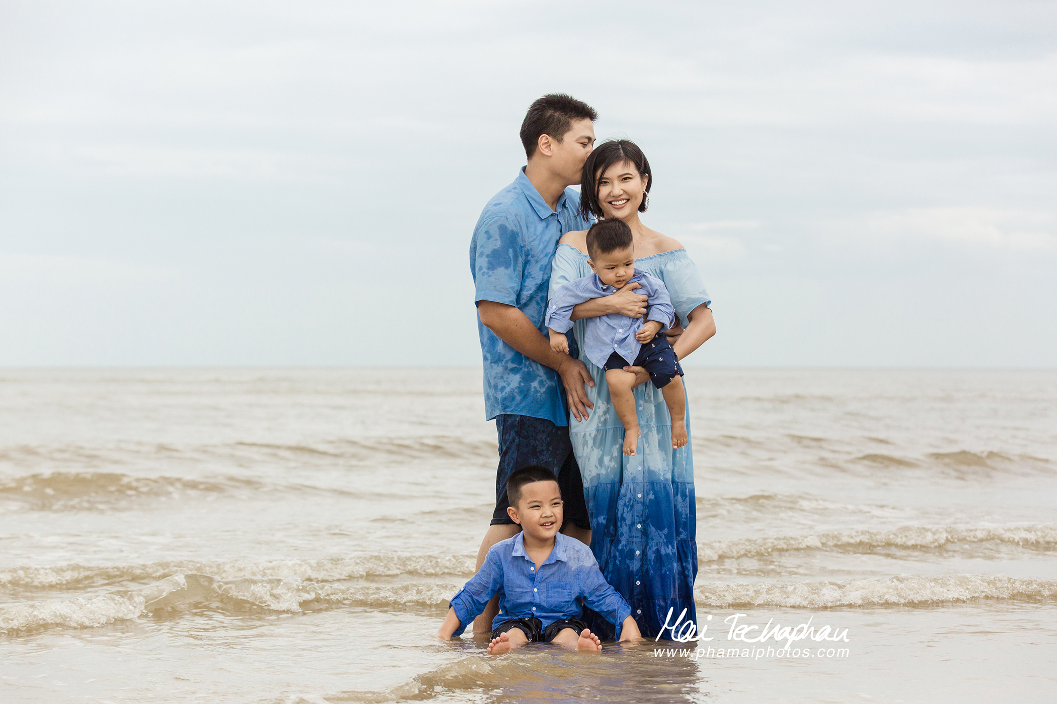 Cha-Am-Seaside-Family-5.jpg