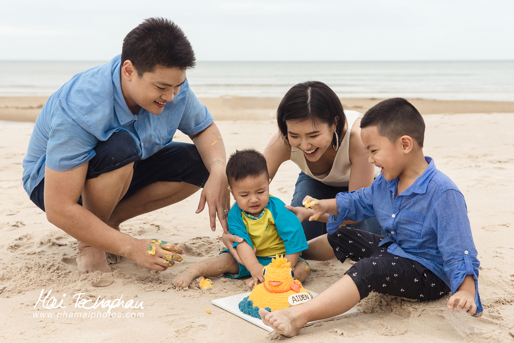Cha-Am-Seaside-Family-14.jpg