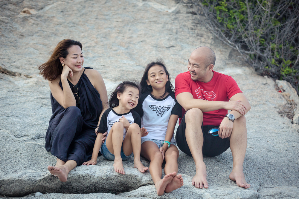 Family Photo Session at Sai Noi Beach