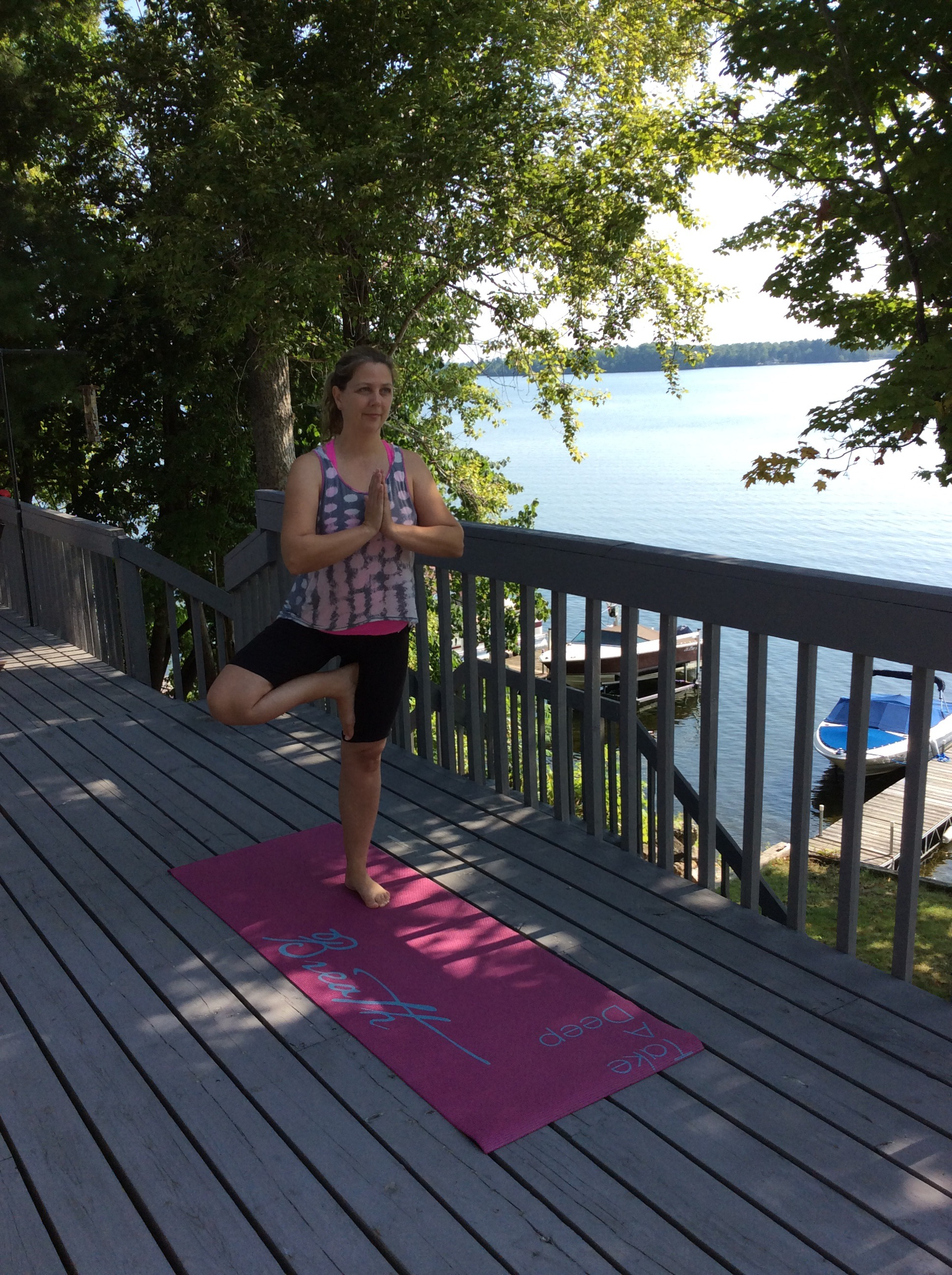 What is Loon Call Retreat? - Loon Call Retreat is a wellness destination. Yoga, mindfulness, nature, positive psychology, community and fun are combined to provide the perfect antidote to relax, laugh, rejuvenate and dream. The experience is a fusion of Lanark County charm and Asian influence.