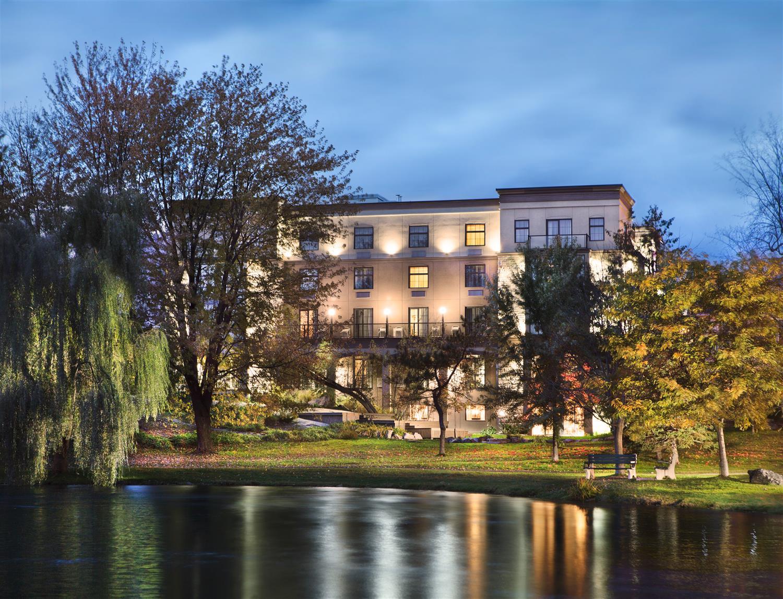 Best Western Plus Perth Parkside Inn & Spa, Perth, ON