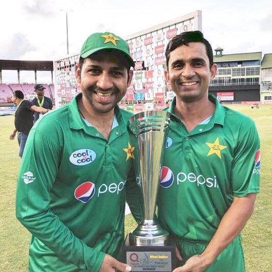 asif zakir celebrating trophy win