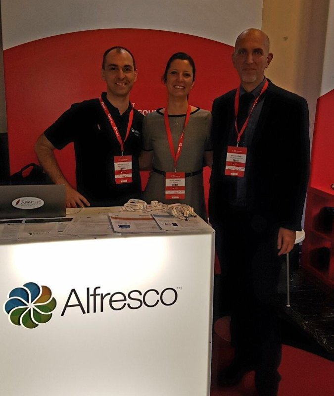 Me with Silvia Speranza (Alfresco) and Angelo Di Carlo (TAI Software Solutions)