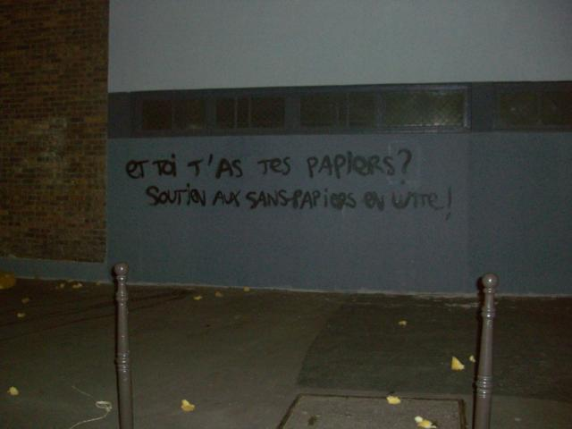 Pro-immigrant graffiti on a wall in Paris. Photo: Aaron Lakoff