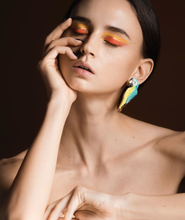 I know it's 2019 but before I continue with knew work i'd like to look back and share one of my favorite photos of 2018. Inspired by a gift that was given to me by @marieelenajoseph  Earrings @crystalcocoa  MUA @jelena_silver  Model @vinca_minor  Retoucher @Jeffchannyc