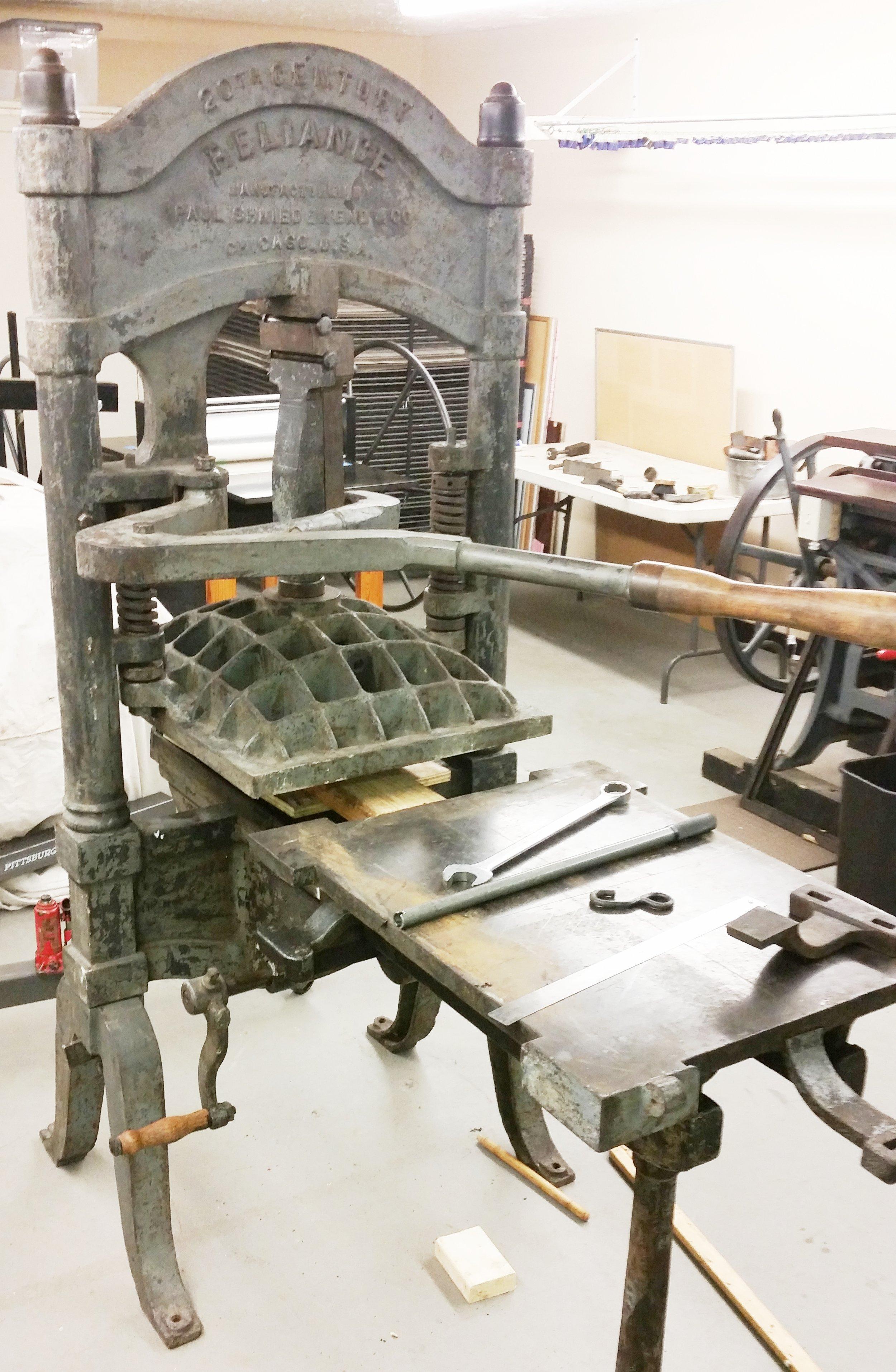 Adding and adjusting the lever mechanics