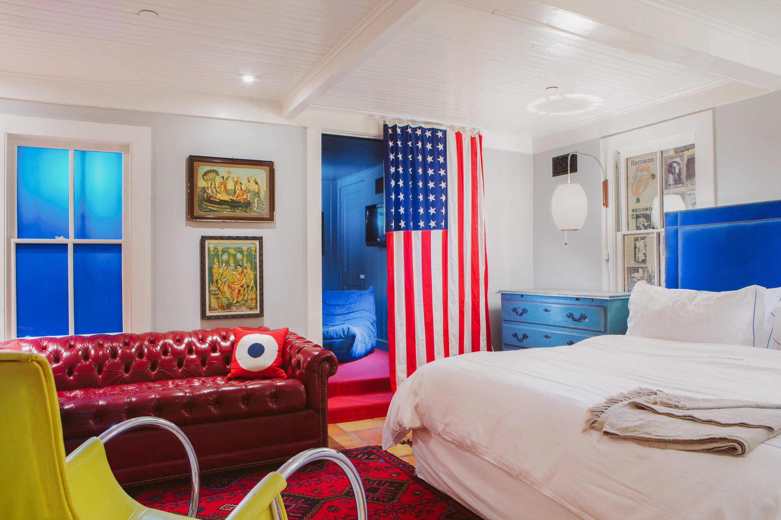 Hotel-Saint-Cecilia-suite-with-flag-Photographer-Nick-Simonite.jpg