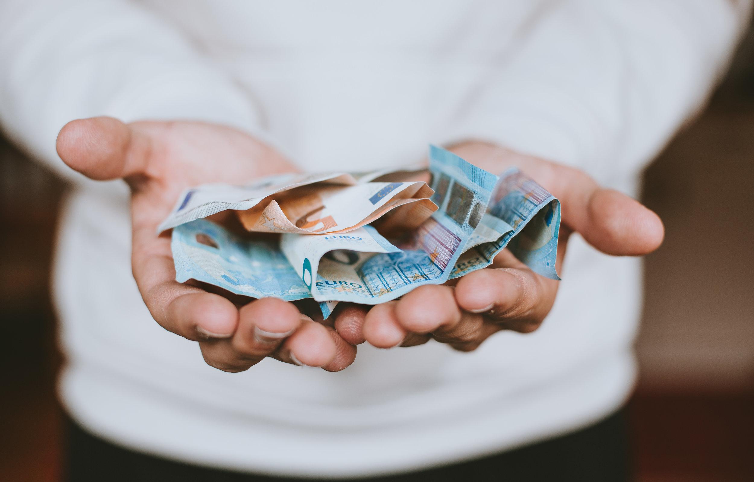 money-euros-Geld-euro-budget-scheine-Ressourcen