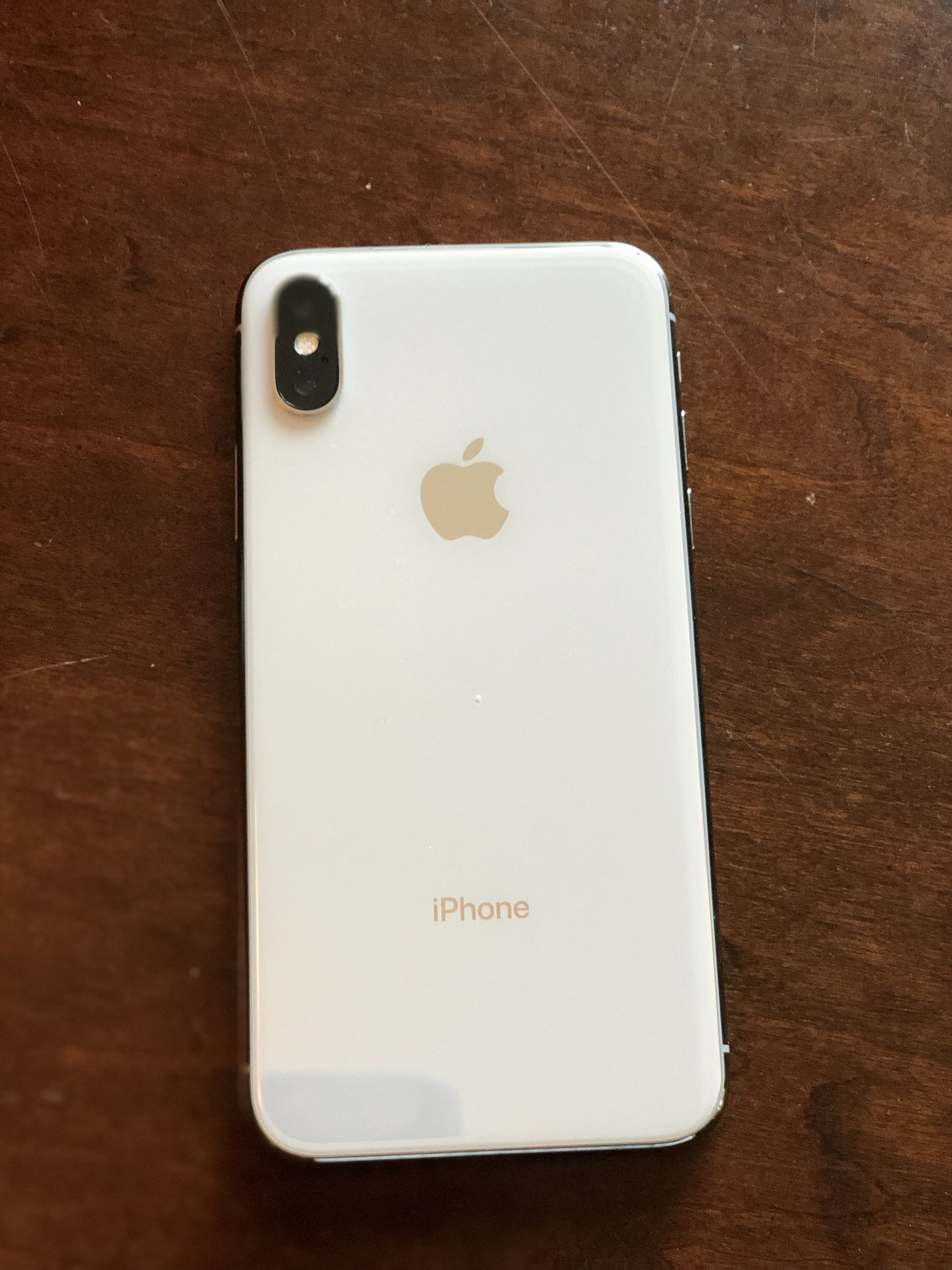 Meet the iphone X - Smile for the Face ID!